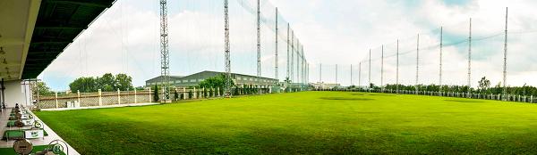 Quang cảnh Sân tập Happy Golf  vào ngày nắng