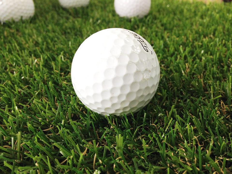 Sử dụng bóng golf cũ là loại bóng tập golf được ưa thích