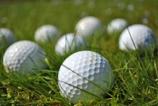Nên chọn bóng tập golf loại nào