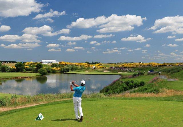 Khung cảnh tuyệt mỹ tại sân golf Móng Cái