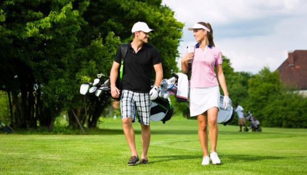 Chọn phụ kiện đi kèm quần áo chơi golf thế nào