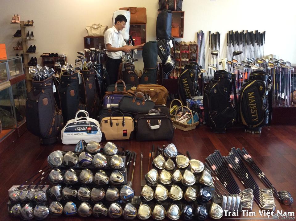 cửa hàng bán dụng cụ chơi golf