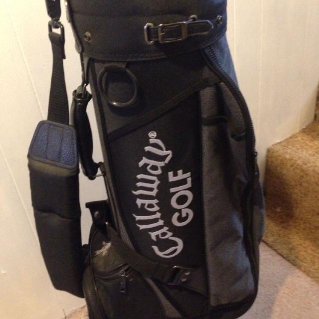 Túi golf cũ có ưu điểm gì
