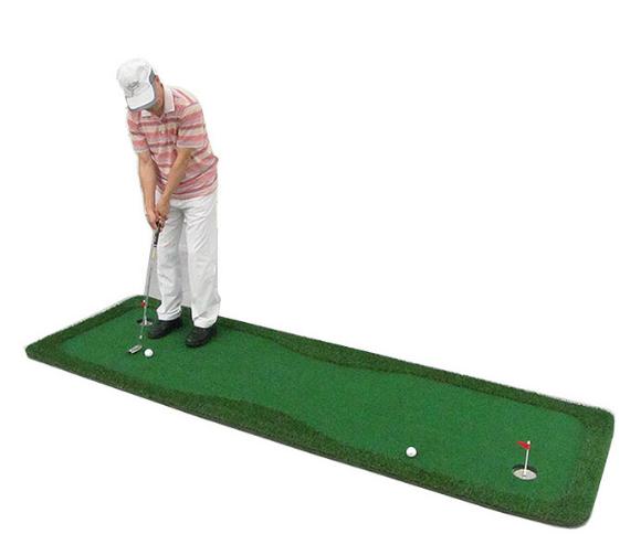 Hình ảnh thảm tập golf trong nhà putting