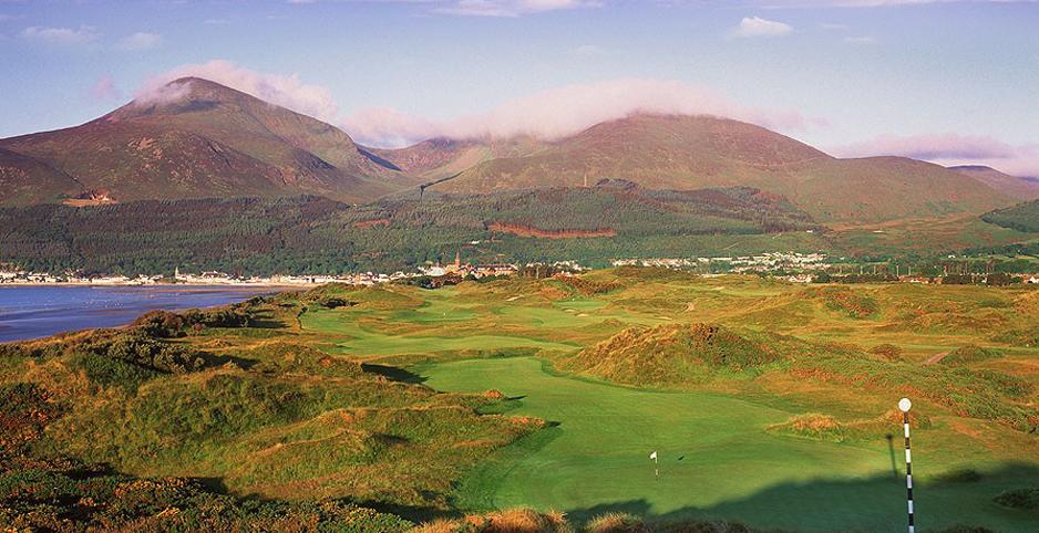 Những hình ảnh của sân golf đẹp nhất hiện nay