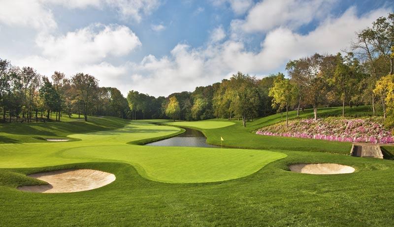 Vẻ đẹp của sân golf đẹp đến thế giới với màu xanh mướt