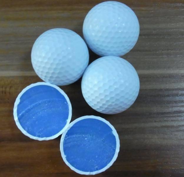 Các mẫu bóng golf cũ cấu tạo hai lớp