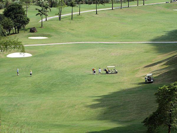Quang cảnh Sân golf Hòa Bình Geleximco