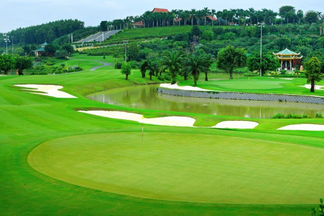 Toàn cảnh sân golf Bình Dương Sông Bé