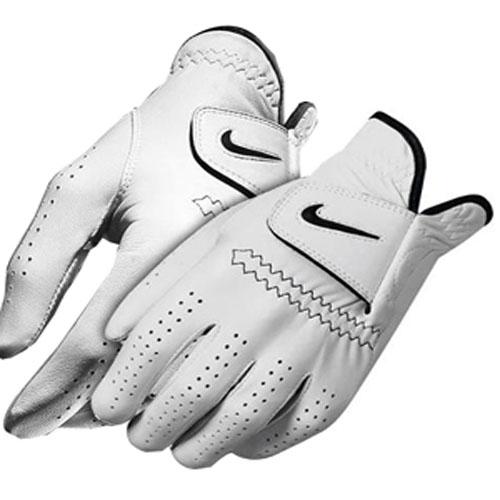 Găng tay là thiết bị đánh golf cần thiết để cú đánh chuẩn xác hơn