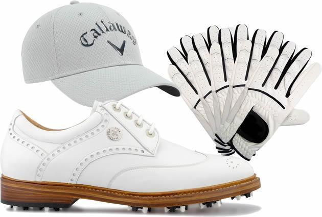 Giày và mũ là phụ kiện golf không thể thiếu khi ra sân