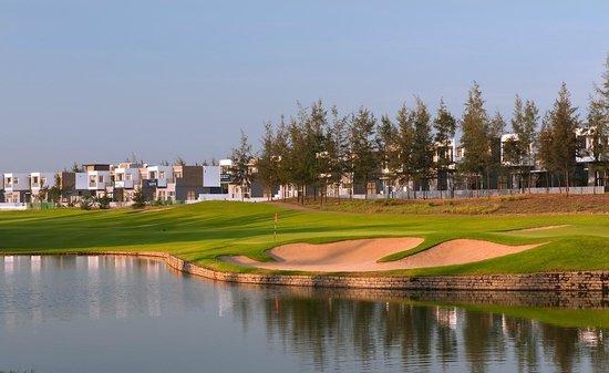 Khu tổ hợp ở sân golf Montgomerie Đà Nẵng