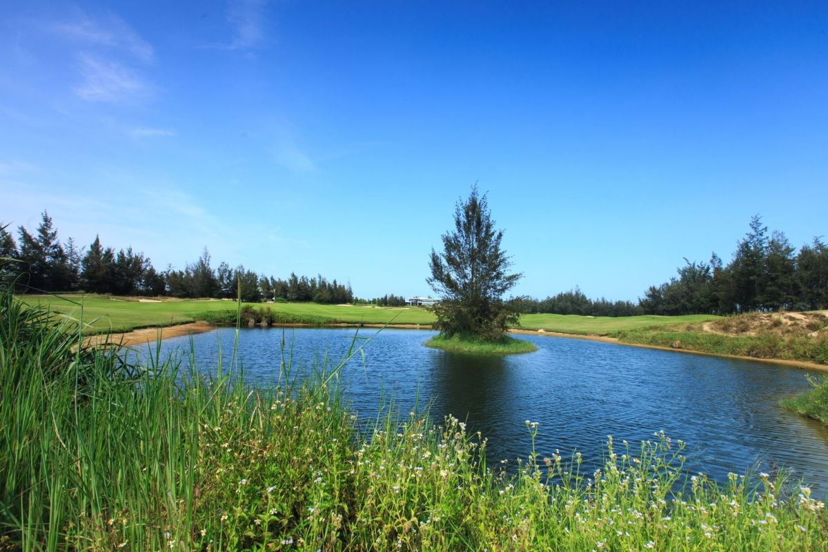 Hồ nước sân golf Montgomerie Đà Nẵng