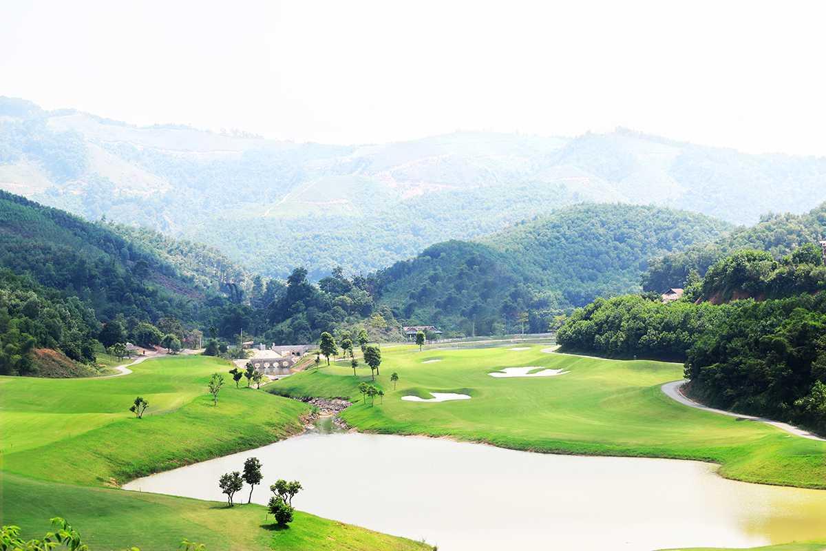 Toàn cảnh sân golf Hilltop Valley Hòa Bình