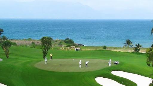 Quy định mới cấm tổ chức cá cược, đánh bạc trên các sân golf