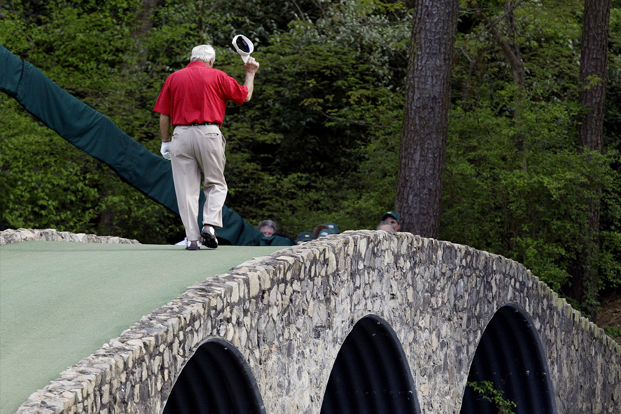 bi-mat-augusta-national-golf-course-noi-chua-dung-nhung-dieu-gi-dac-biet-va-bi-an-khien-cho-gon-thu-nao-cung-muon-mot-lan-dat-chan-toi
