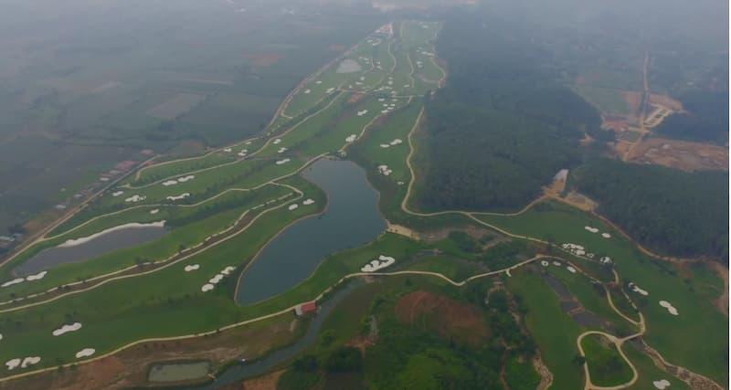 Một góc sân golf Tràng An Ninh Bình khi nhìn trên cao