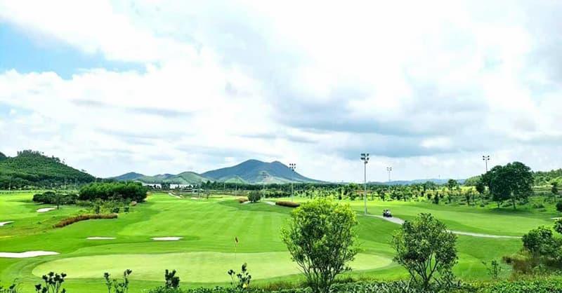 Mường Thanh Golf Club Xuân Thành là tổ hợp giải trí sân golf đẳng cấp ven biển đầu tiên tại Hà Tĩnh