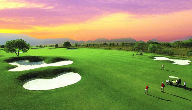 Các golfer đến đây có thể kết hợp chơi golf và nghỉ dưỡng