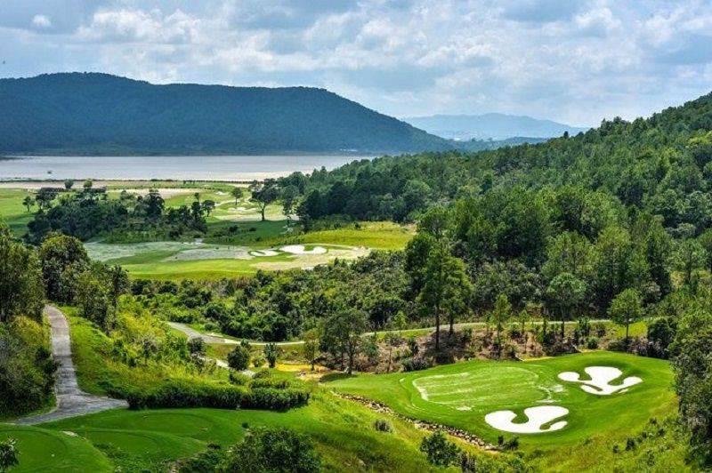 Sân golf Dalat 1200 gây ấn tượng với cái tên độc đáo