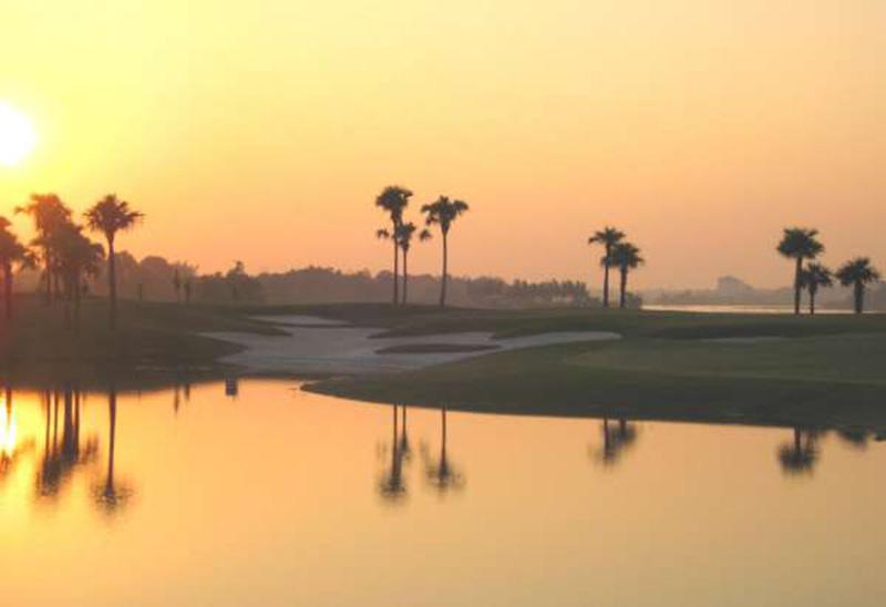 Quang cảnh hoàng hôn tại sân golf Đầm Vạc