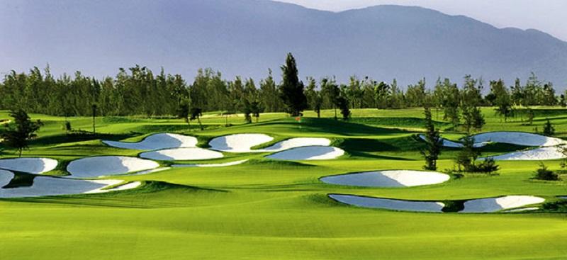 Sân golf montgomerie được bình chọn là sân golf nằm trong top 10 sân golf tốt nhất Châu Á