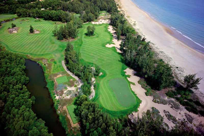 Vẻ đẹp hùng vĩ của sân golf Laguna Lăng Cô