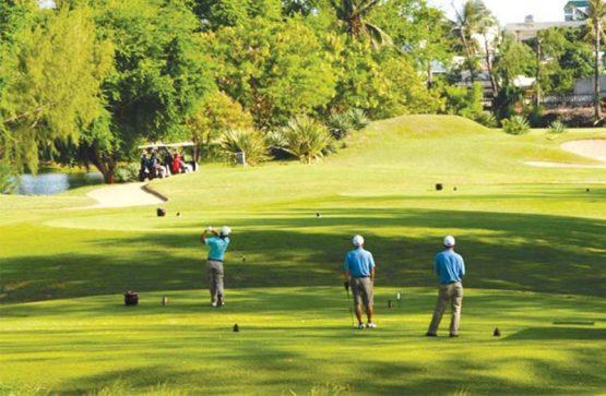 Sân golf Minh Trí Hà Nội