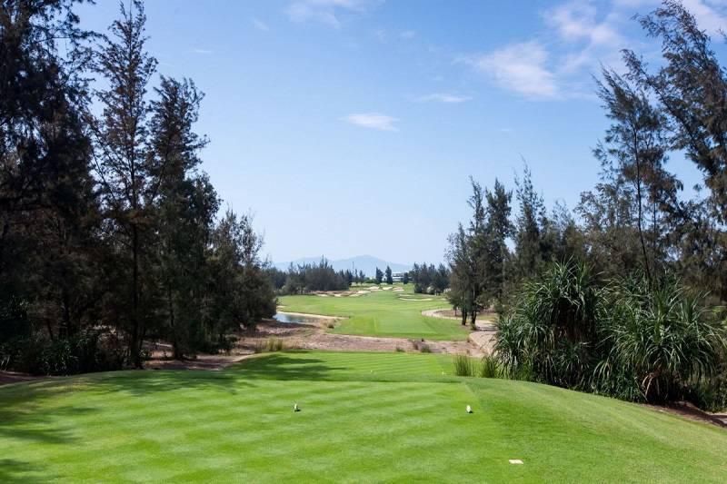 Sân golf Montgomerie Links Đà Nẵng tọa lạc tại vị trí vô cùng đắc địa