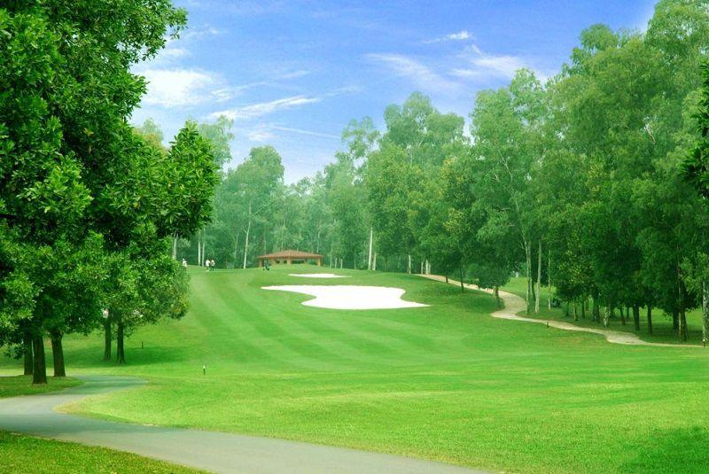 Sân golf nằm ở cao nguyên phía Tây của thành phố Hồ Chí Minh