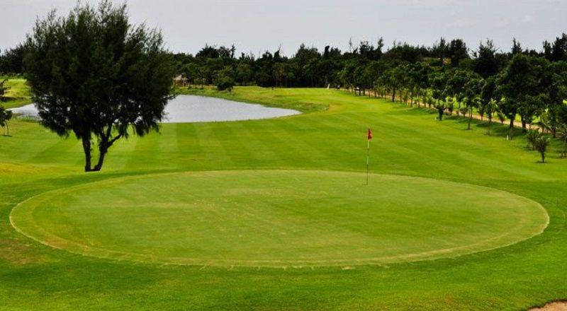 Sân golf Paradise nằm ngay trung tâm thành phố