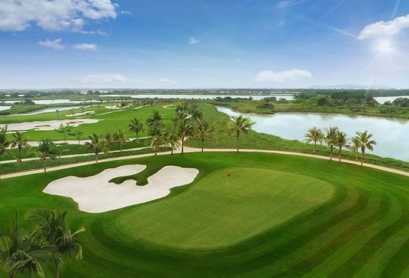 Sân golf đảo Vũ Yên tọa lạc tại vị trí đặc biệt