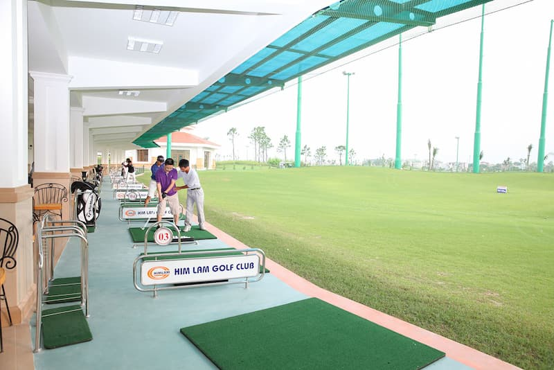 1 góc sân golf Him Lam