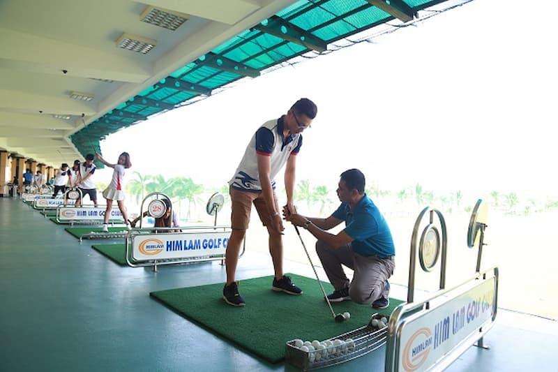 Sân golf Him Lam nơi hội tụ những huấn luyện viên chuyên nghiệp