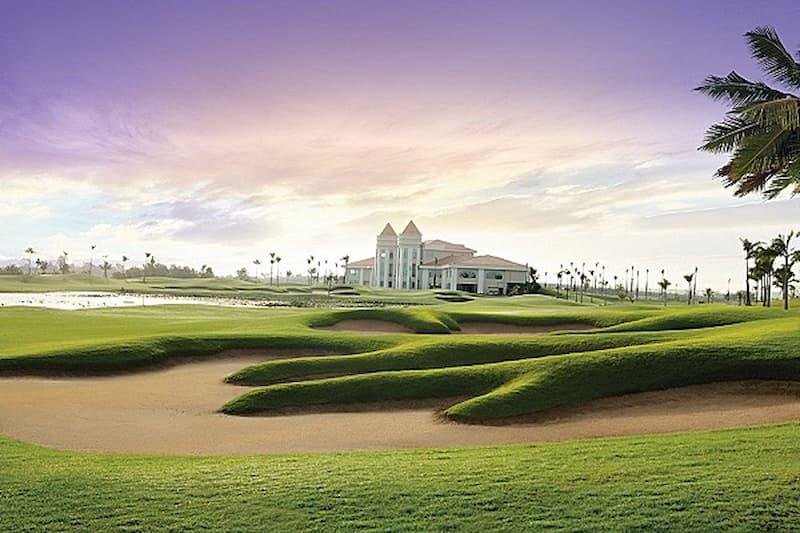 Sân golf là điểm nhấn của cù lao khu sinh thái