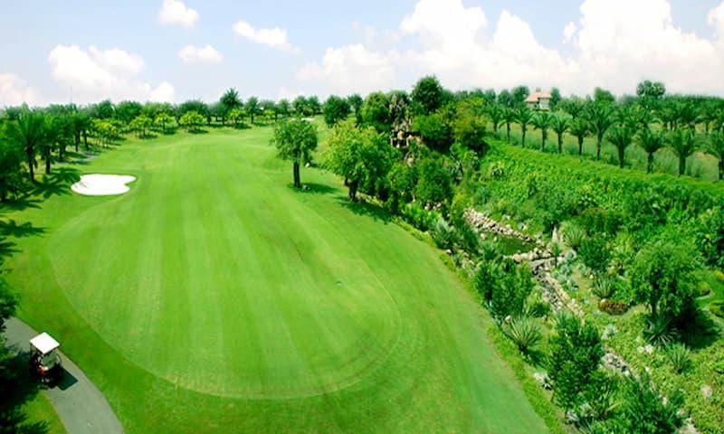 Khung cảnh sân golf Yên Bình
