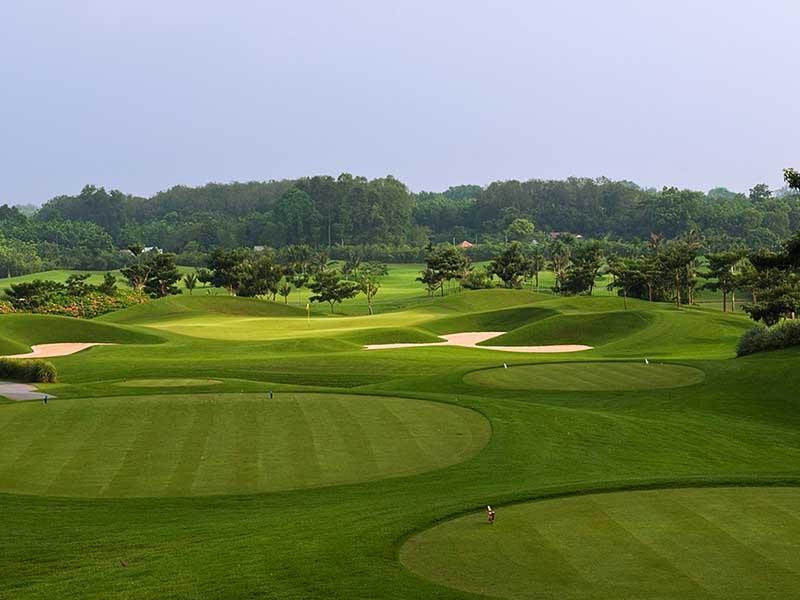 Nhờ thiết kế ấn tượng, sân golf Đầm Vạc được cộng đồng golfer review tốt và đánh giá cao